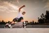 Actionsportarten: Mann mit Skateboard