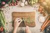 Ernährung: Gemüse zubereiten