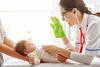 Impfung-Rotaviren: Baby bei der Ärztin